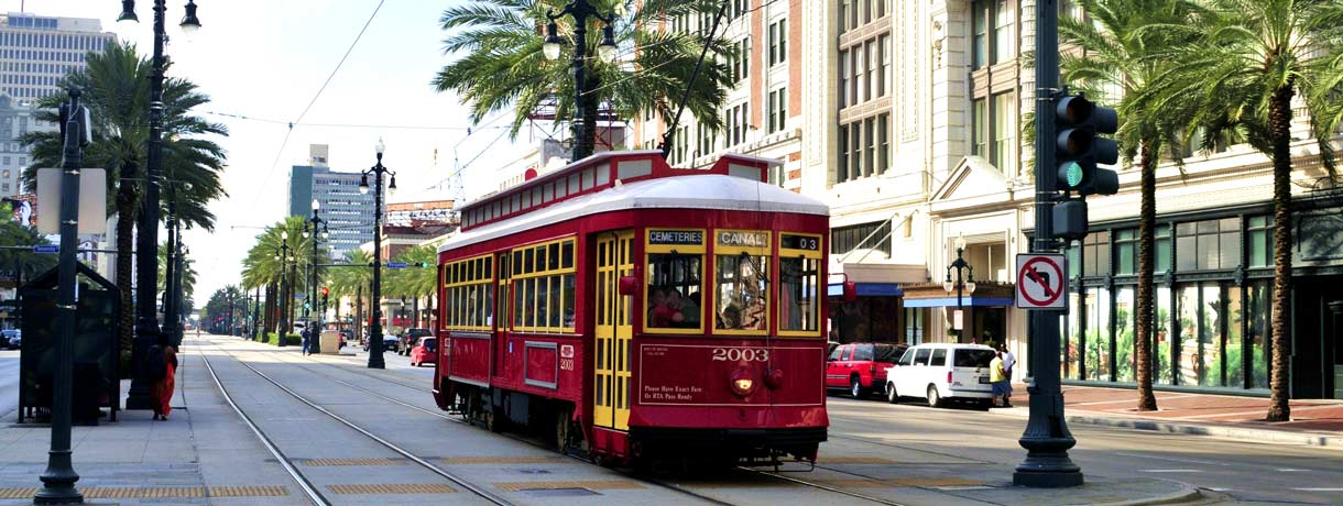 Streetcar downtown New Orleans